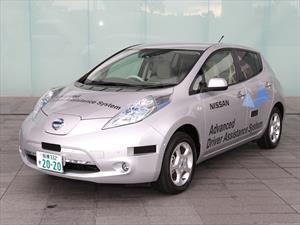 """Nissan Leaf """"semi-autónomo"""" circulará en Japón"""