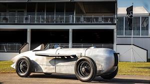 La primera flecha plateada de Mercedes fue replicada para Pebble Beach