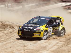 Video: Autos de Rally corriendo al mismo tiempo en terracería = Mucha diversión