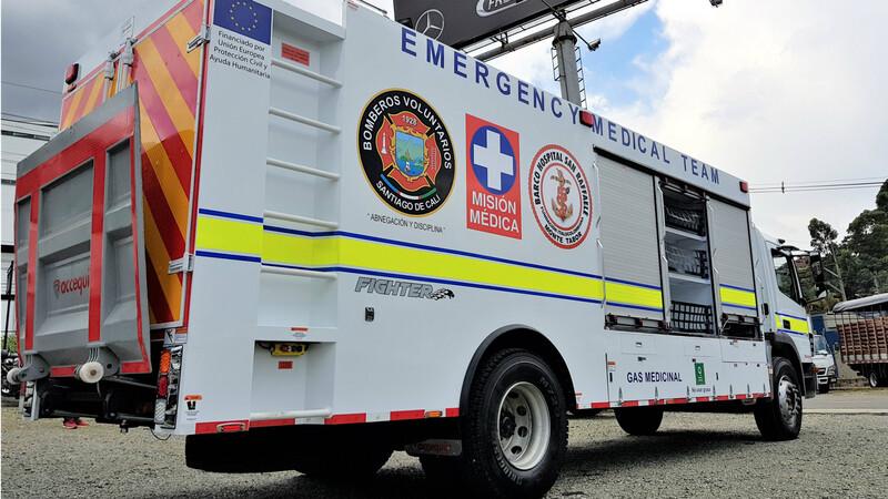 Mercedes-Benz entrega primer camión hospital ambulante en Colombia