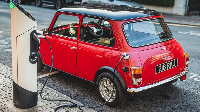 Convierta su MINI clásico en un auto eléctrico