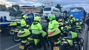 Más de 12 mil comparendos a vehículos de transporte ilegal en Bogotá