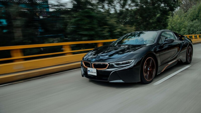 Manejamos el BMW i8 Ultimate Sophisto Edition 2020