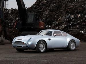Crean Aston Martín DB4 GT de los 60s con base en un DB7 moderno