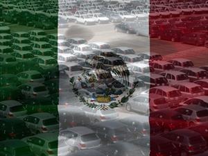 México importa el 51% de los vehículos que vende