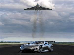 Aston Martin reúne al Vulcan con el Vulcan