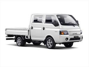 JAC le pone dos puertas más a su camión ligero X200