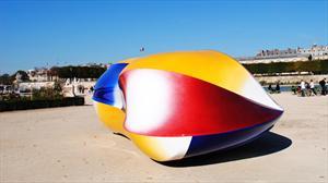 Transforman al eléctrico Renault Twizy en extraña obra de arte