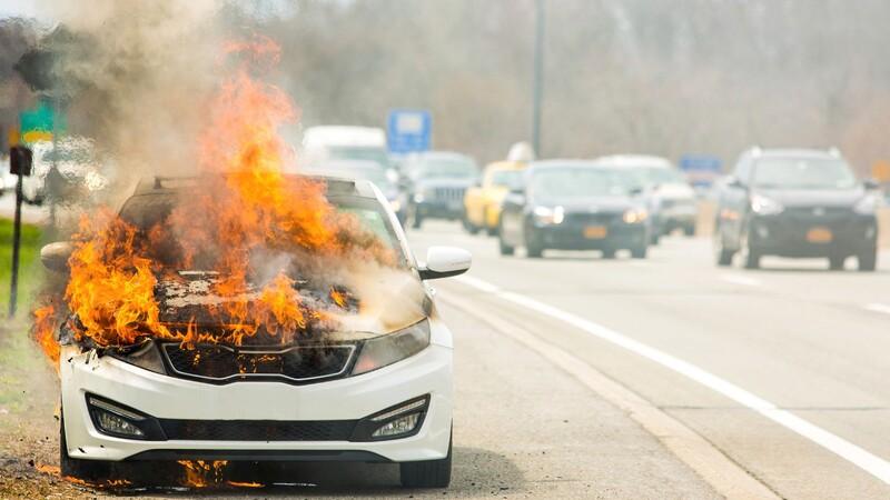 Protégete de los estafadores al adquirir el seguro de tu auto