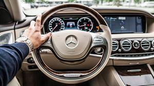 ¿Cuáles son los principales focos de suciedad en el interior de un auto?