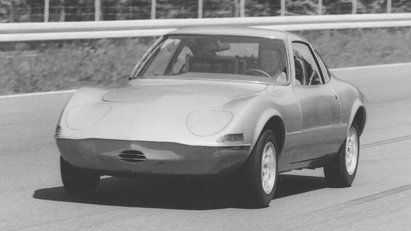 Opel celebra 50 años desde que el Elektro GT conquistó Hockenheim con sus baterías
