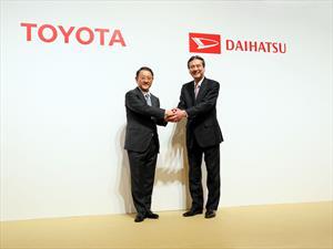 Toyota adquiere Daihatsu para el desarrollo autos pequeños