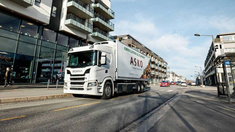 Scania lanza sus primeros camiones eléctricos