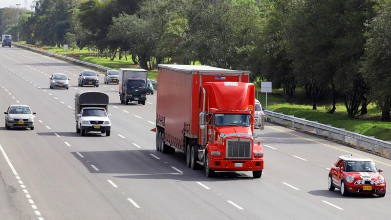 Sector automotor cayó 36% en mayo, debido a paros y bloqueos