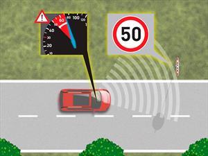 Ford tiene un sistema que detecta las señales de tránsito y las obedece