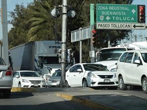 Propietarios de vehículos con placas del Edomex deberán renovarlas a partir de 2019