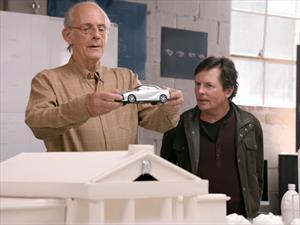 Toyota reúne a Marty McFly y al Doc Brown de Volver al Futuro