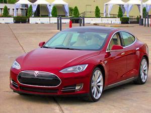 Tesla Motors y su sistema de recarga eléctrica completa en 90 segundos