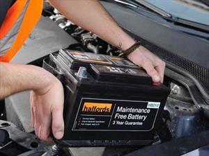 ¿Cuándo es tiempo de cambiar la batería del automóvil?