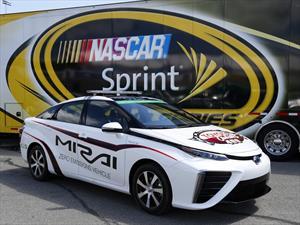Toyota Mirai es el primer pace car de NASCAR que funciona con hidrógeno