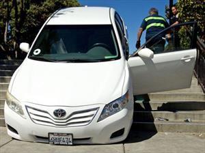 Recalculando: El GPS manda a un chofer por unas escaleras