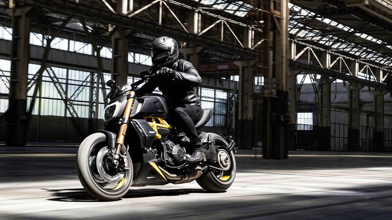 """Aparece la nueva versión """"Black and Steel"""" de la Ducati Diavel"""