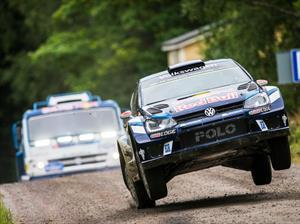 Video: Volkswagen Polo R WRC vs camión Kamaz 4326