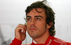Alonso invita a Newey y Vettel a Ferrari