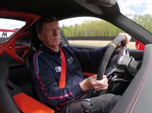Porsche 911 GT3 RS es conducido por Walter Röhrl