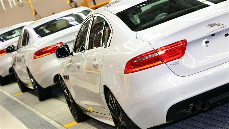 Jaguar amplia la suspensión de la producción del XE, XF y F-Type