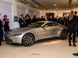 Subastan el Aston Martin DB10 de James Bond