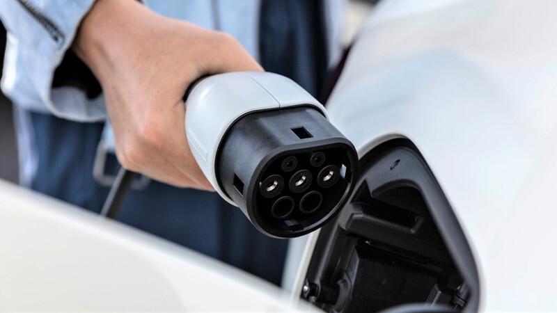 Top 30 – vehículos híbridos/eléctricos más vendidos en Colombia