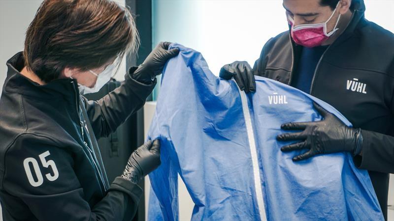 VUHL fabrica material médico para personal de la salud