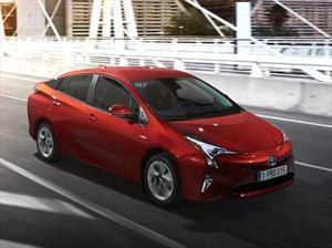 Toyota Prius 2016 tiene un consumo promedio de 40 Km/l