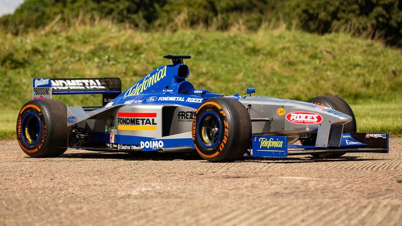 Comprate el Minardi de Tuero listo para correr