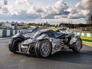 Este Batimóvil con motor de Lamborghini participa en Gumball 3000