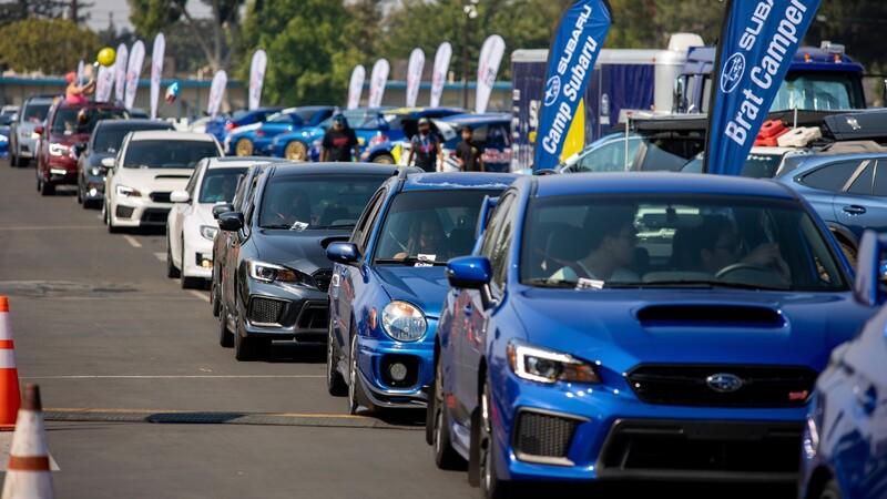 SubieFest 2020 anotó el Récord Guinness para el desfile más largo de autos Subaru
