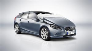 Volvo V40 presenta su airbag para peatones