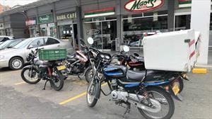Vehículos de mensajería y domicilios en Bogotá deben registrarse