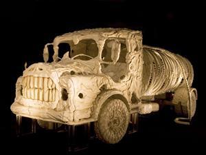 Los esqueletos de estos camiones son tan terroríficos como impresionantes