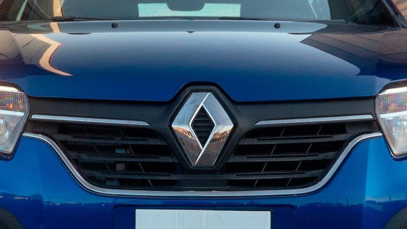 Renault podría cerrar cuatro plantas en Francia