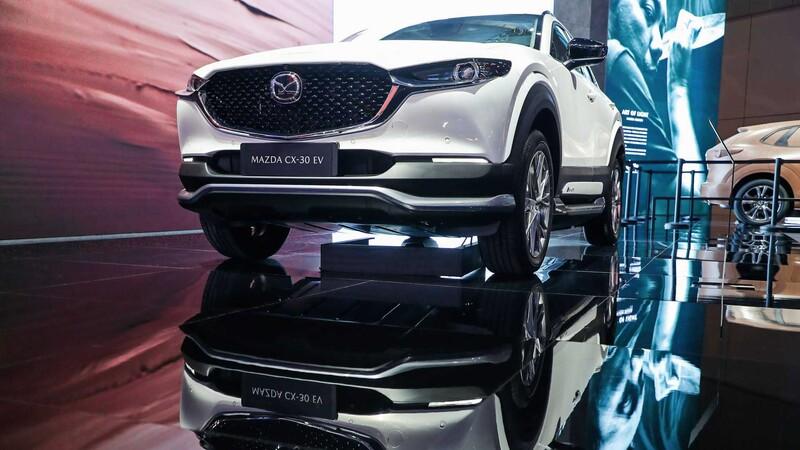 Mazda lanza el CX-30 EV, comienza la ofensiva eléctrica de la marca japonesa