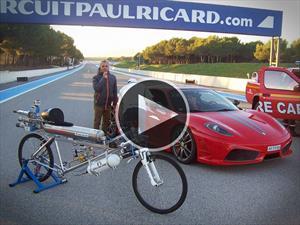 Bicicleta con cohete vs Ferrari 430 Scudería ¿quién gana?