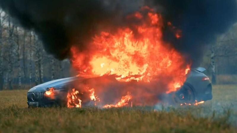 Video: prende fuego su Mercedes-AMG GT 63 S Coupé