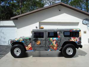 Dennis Rodman puso en venta su Hummer H1