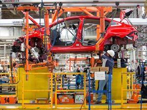México y Estados Unidos logran acuerdo automotriz preliminar en renegociación del TLCAN