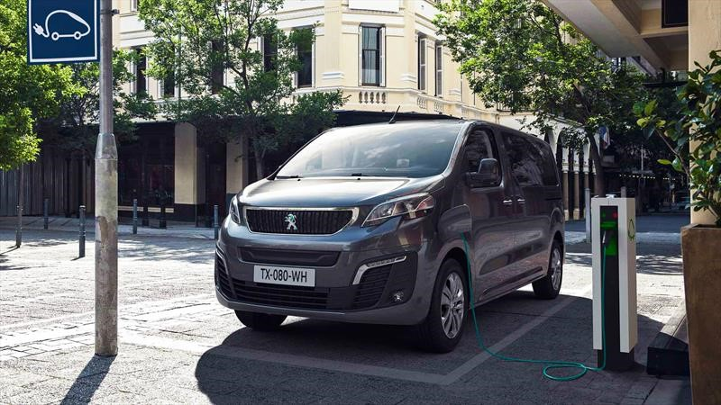 Peugeot e-Traveller, la primera van eléctrica del León