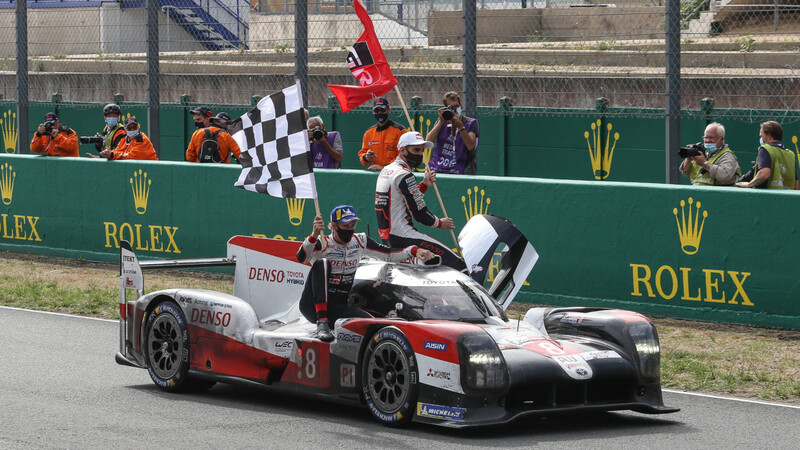 Toyota cierra el ciclo LMP1 con una tercera victoria en Le Mans