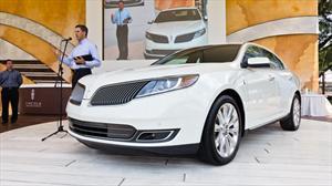 Lincoln MKS 2013 debuta en el Concurso de la Elegancia