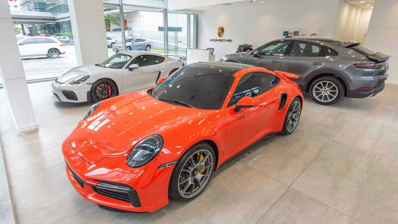 Porsche estrena vitrina en Medellín